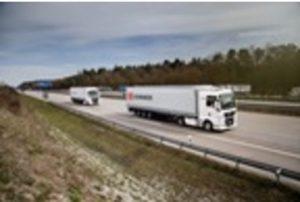 DB Schenker a MAN se dohodli na projektu seskupování vozidel – platooningu