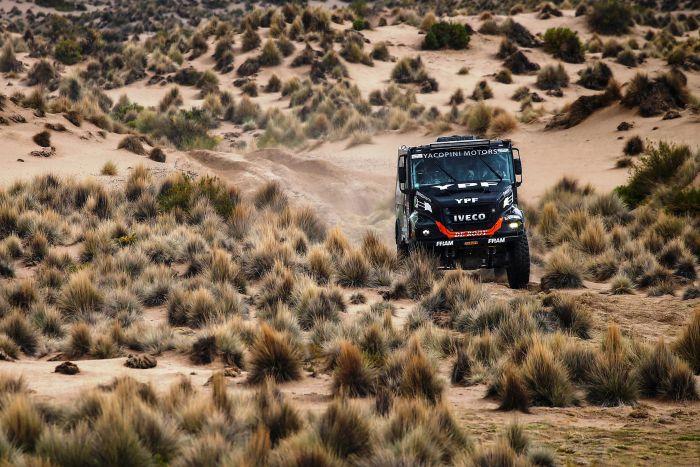 502 VILLAGRA FEDERICO (arg) YACOPINI ADRIAN ARTURO (arg) TORLASCHI RICARDO ADRIAN (arg) IVECO INFINIA DIESEL TEAM DE ROOY YPF action during the Dakar 2017 Paraguay Bolivia Argentina , Etape 7 - Stage 7, La Paz - Uyuni, January 9 - Photo Frederic Le Floc'h / DPPI