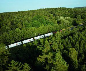 Železniční přeprava začíná konkurovat námořní a silniční přepravě