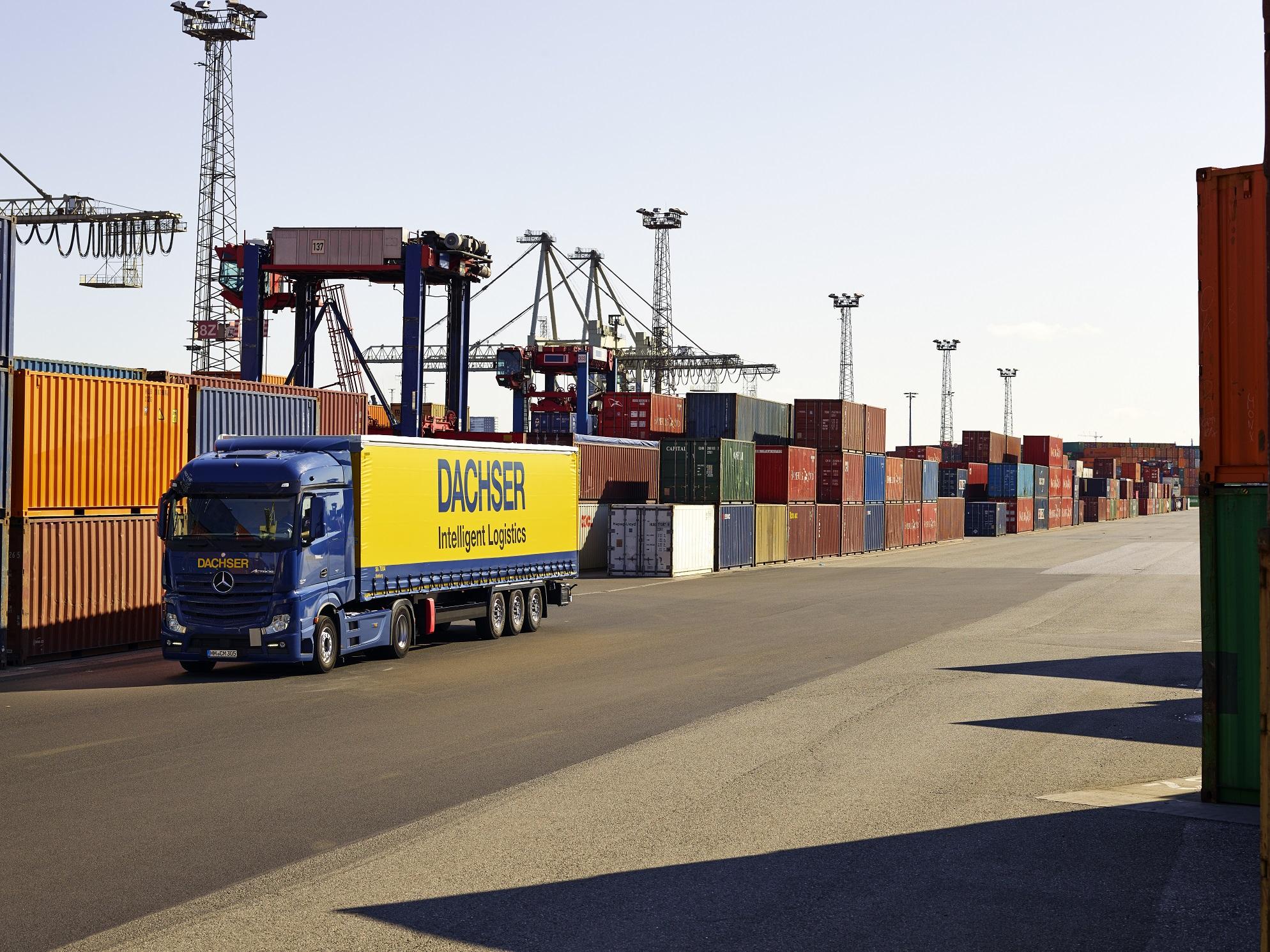 Mezinárodní logistický provider DACHSER má vlastní speciální řešení pro zásilky s nebezpečným zbožím