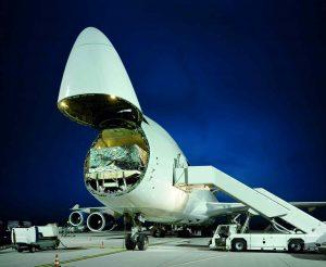 DB Schenker narostla poptávka o 15 % po nákladní letecké přepravě