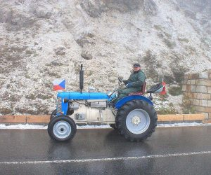Milovník traktorů ZETOR opět vyrazil do Alp