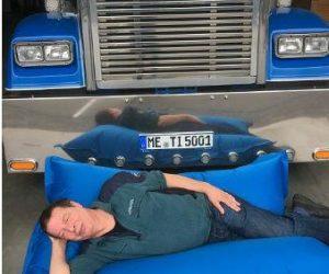 Týdenní doba odpočinku v nákladním voze se může prodražit
