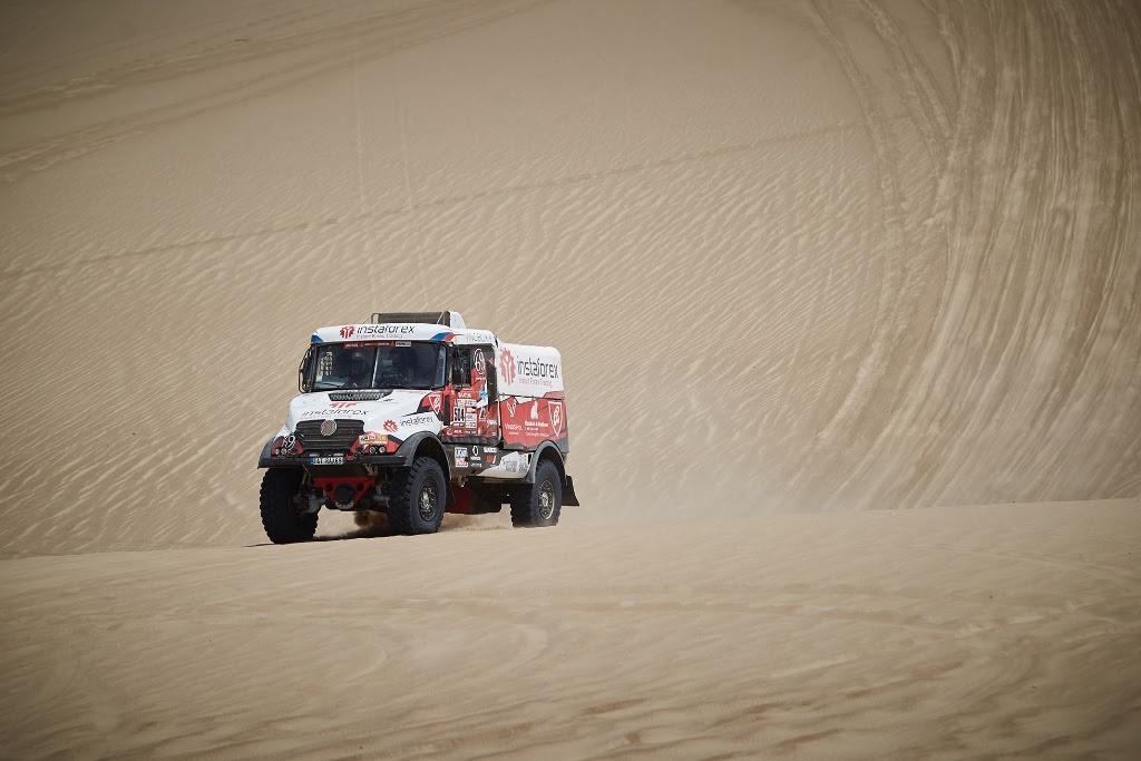 Aleš Loprais nešťastně uvíznul v dunách
