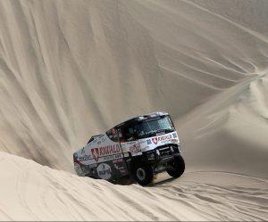 Kamiony severočeské MKR se drží na Dakaru i druhý den