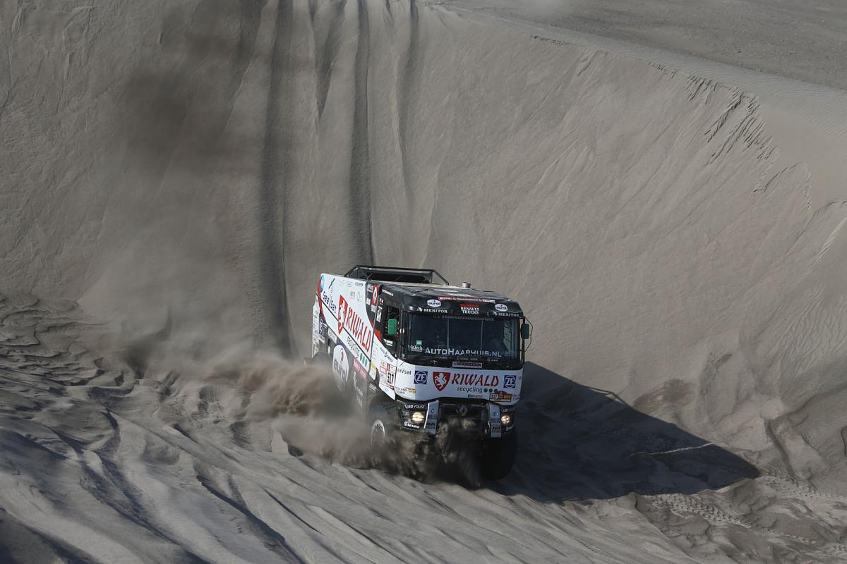 """Dakar posádky """"ničí"""" i v 5. etapě"""