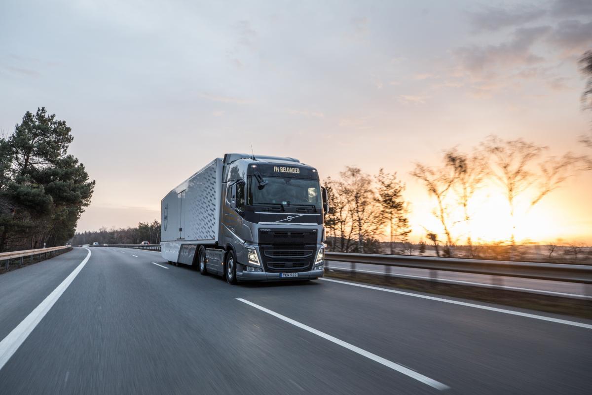 FH Reloaded – nové řešení od Volvo Trucks, optimalizované pro úspornou dálkovou přepravu