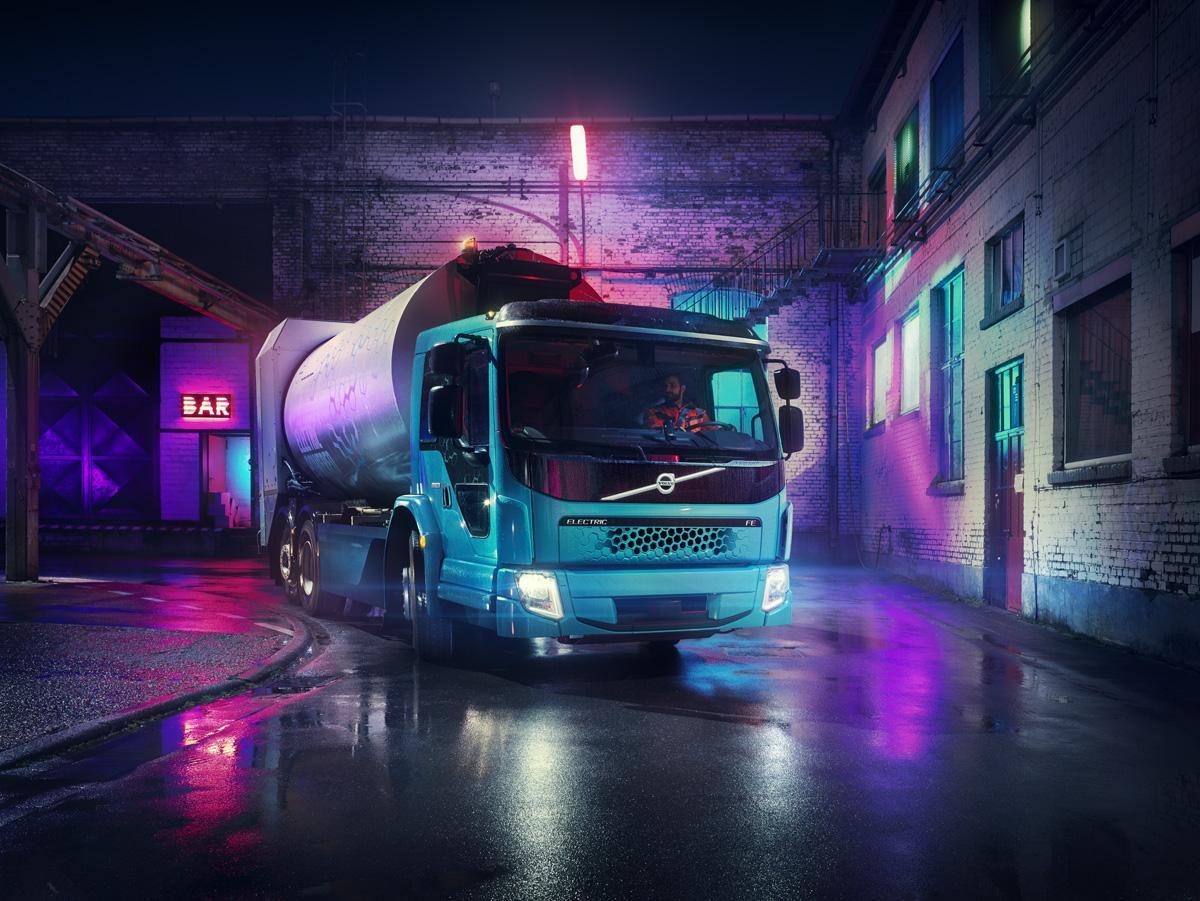 Společnost Volvo Trucks představuje během tří týdnů už druhý model elektrického nákladního vozidla