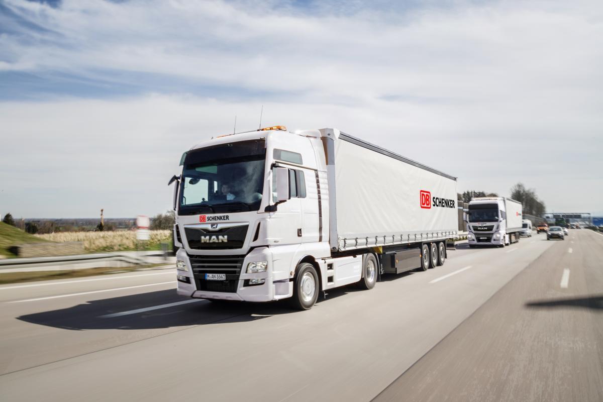 DB Schenker v Německu vyslal první autonomní kamiony na dálnici