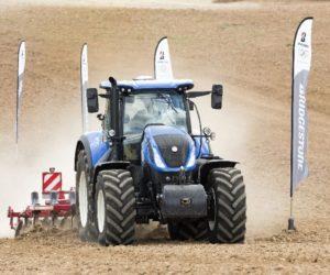 Bridgestone uvádí na trh novou pneumatiku VX-TRACTOR