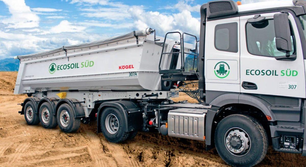 Společnost Ecosoil převzala dalších 17 korbových sklápěcích návěsů Kögel