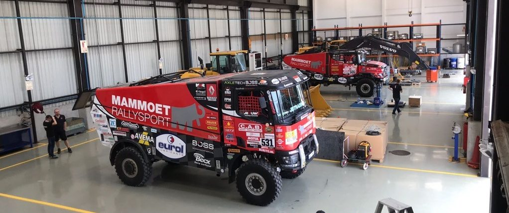 Kamiony MKR jsou připraveny na start Dakaru