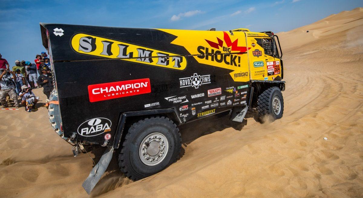 Tým Big Shock Racing v cíli Dakaru 2019