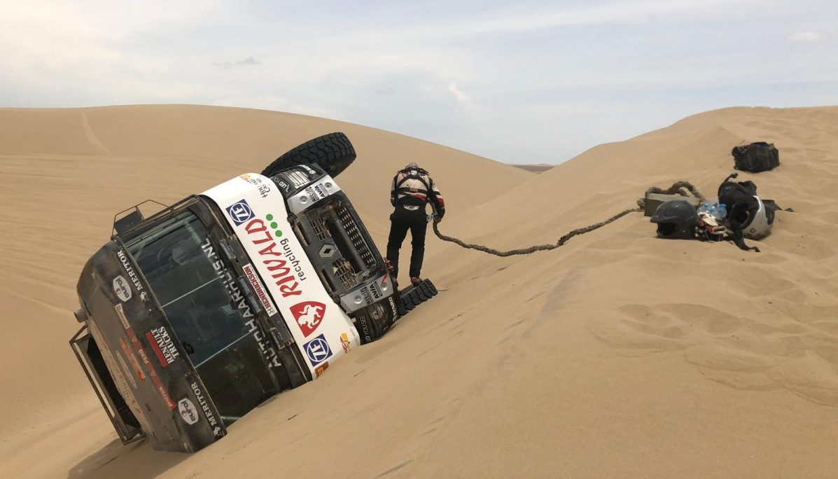 Van Kasterena zastavily technické potíže v 9. etapě Dakaru