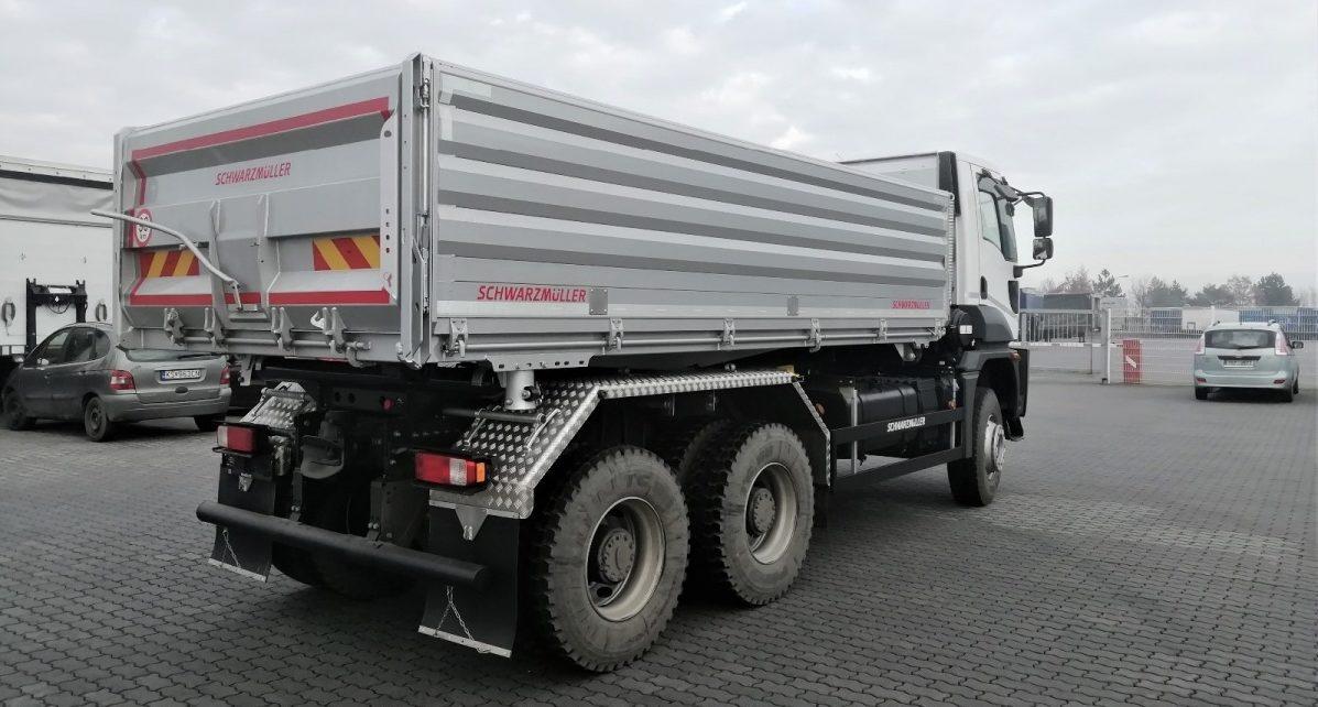 Nový třístranný sklápěč Ford Cargo 3542