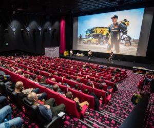 Macík s Brabcem svou posedlostí Dakarem vyprodali česká kina