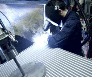 Firma AVA CEE využívá při výrobě chladičů vakuové pájení