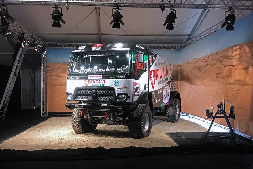 První hybridní rallye kamion od MKR Technology
