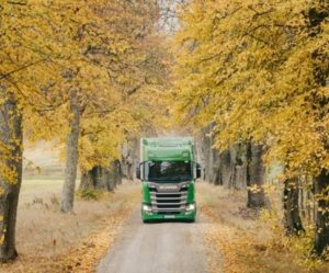 Scania se zavazuje k podpoře cíle dekarbonizace v souladu s omezením globálního oteplování1,5 °C