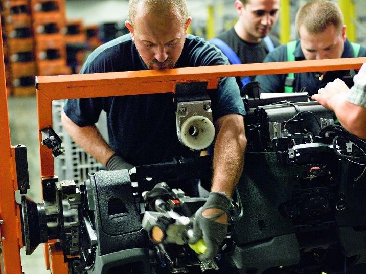 DB Schenker - automobilový průmysl