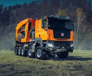 Unikátní Tatra pro přesazování stromů