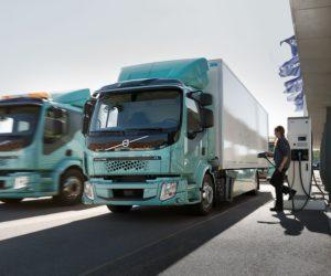 Volvo Trucks zahajuje prodej elektrických nákladních vozidel pro rozvoz zboží ve městě