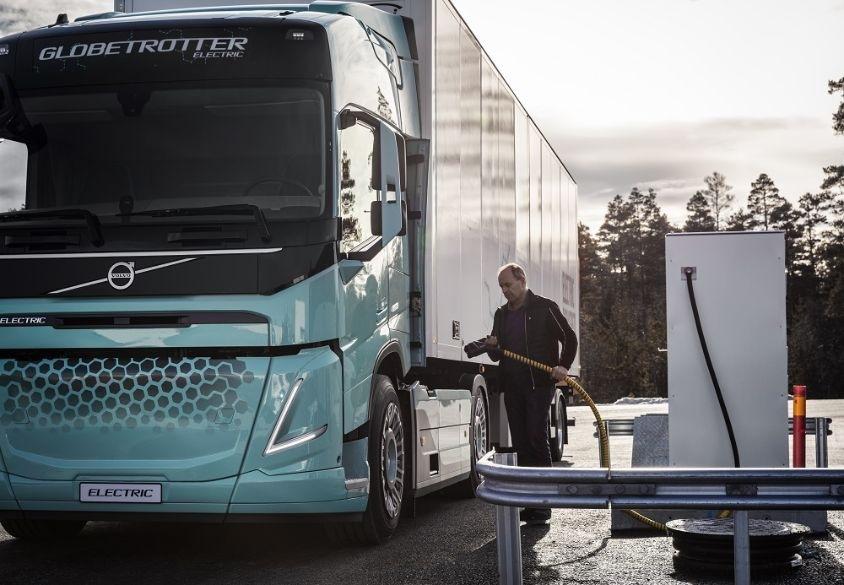 Koncept elektrických nákladních vozidel pro stavebnictví a regionální přepravu Volvo