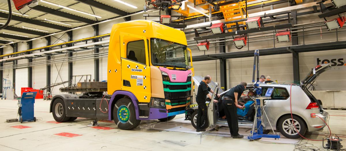 Testování bezpečnosti vozů Scania