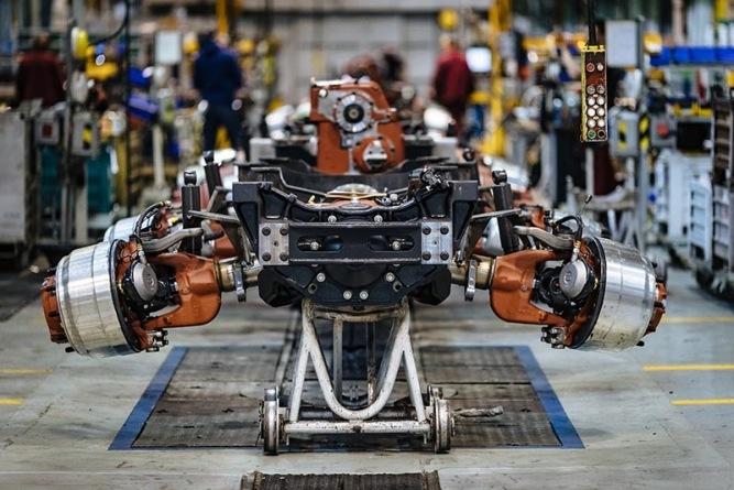 Automobilka Tatra Trucks vyrábí bez omezení