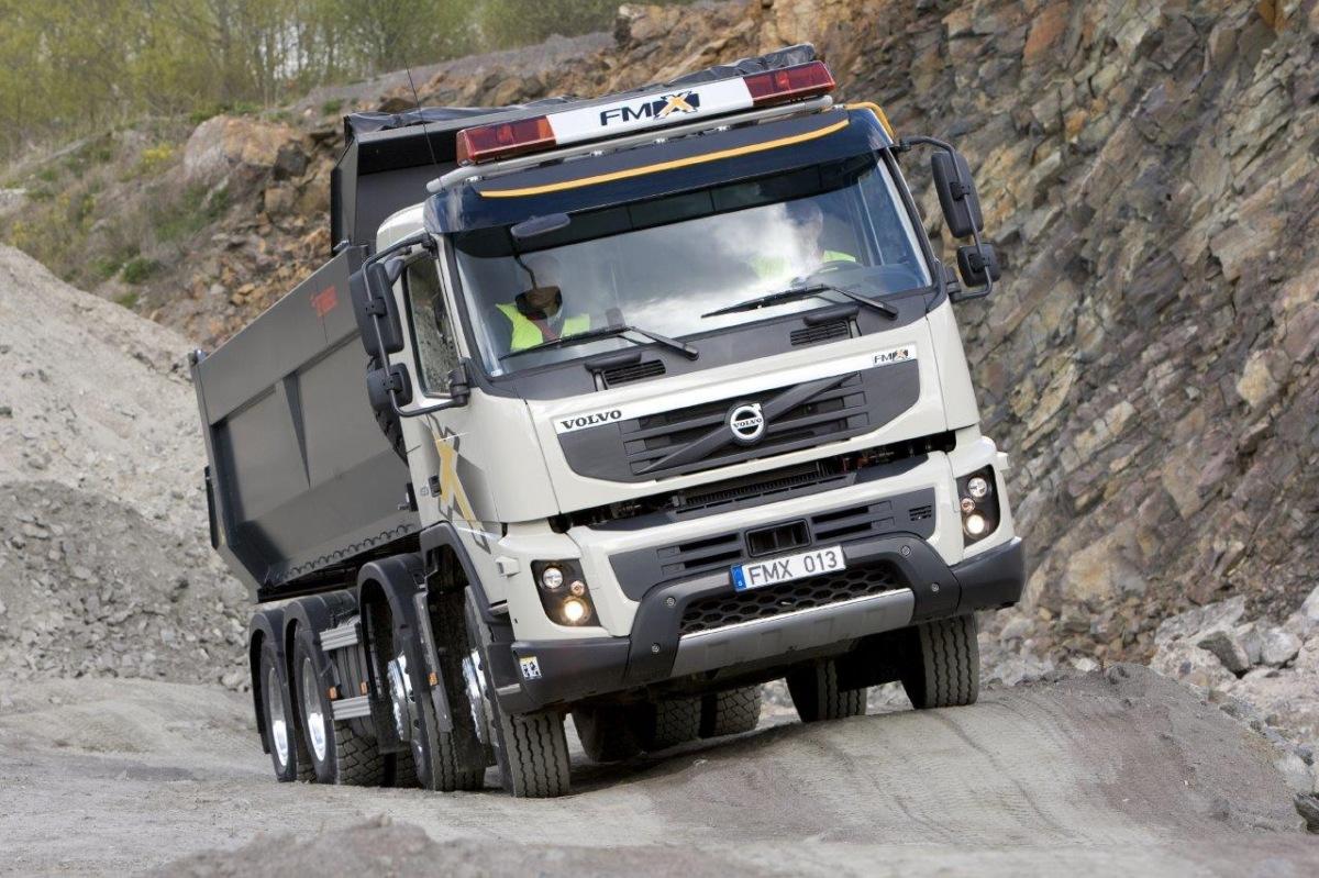 Volvo FMX slaví 10 let na trhu