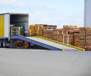 Výměna palet v dopravě a logistice: Na co je třeba dávat pozor