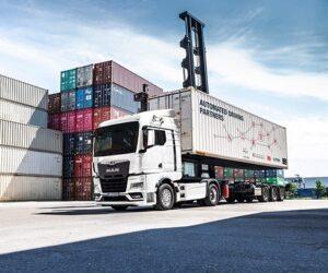 MAN zkouší autonomní provoz v rámci terminálu – digitalizace kombinované dopravy