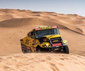 Macík zvládl opravu v poušti a dál drží výbornou 3. celkovou pozici
