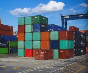 Křehká rovnováha mezinárodní dopravy