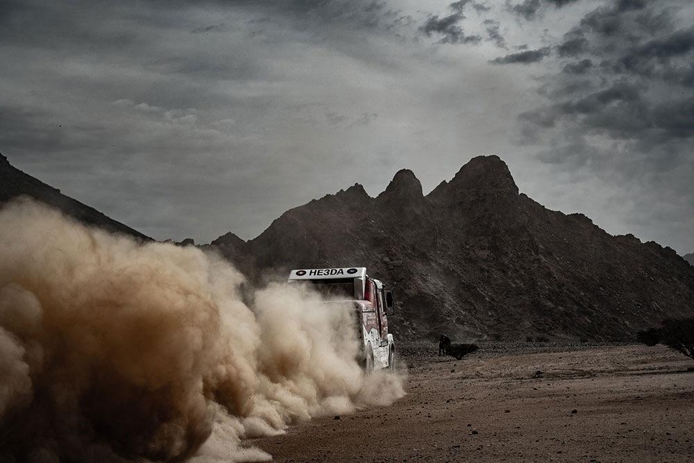 Instaforex Loprais Praga Team na Dakaru 2021