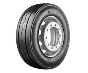 Bridgestone vylepšuje trvale udržitelnou městskou mobilitu hospodárnou a odolnou pneumatikou U-AP 002 pro autobusy